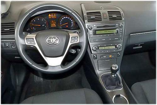 Toyota-Avensis-Radio-2010