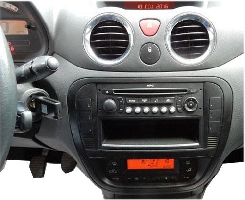 Citroen-C3-mit-RD4-Radio-2006 Citroen C3 Adapter für Lenkradfernbedienung mit CAN BUS Citroen C3 Adapter für Lenkradfernbedienung mit CAN BUS Citroen C3 mit RD4 Radio 2006