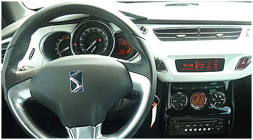 Citroen-DS3-mit-RD4-Radio-2010