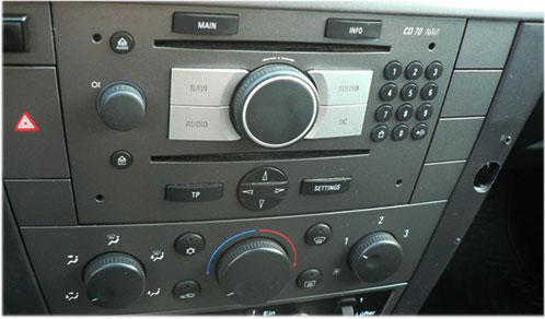 Opel-Vectra-C-CD70-Blaupunkt-Radio Opel Vectra C Adapter für Lenkradfernbedienung mit CAN BUS Opel Vectra C Adapter für Lenkradfernbedienung mit CAN BUS Opel Vectra C CD70 Blaupunkt Radio